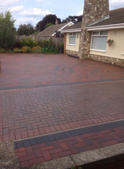 Kennedy Ave gorleston, using brindle blocks and charcoal borders
