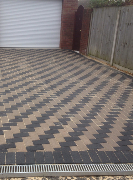 Mill lane Bradwell, using charcoal and natural block paving